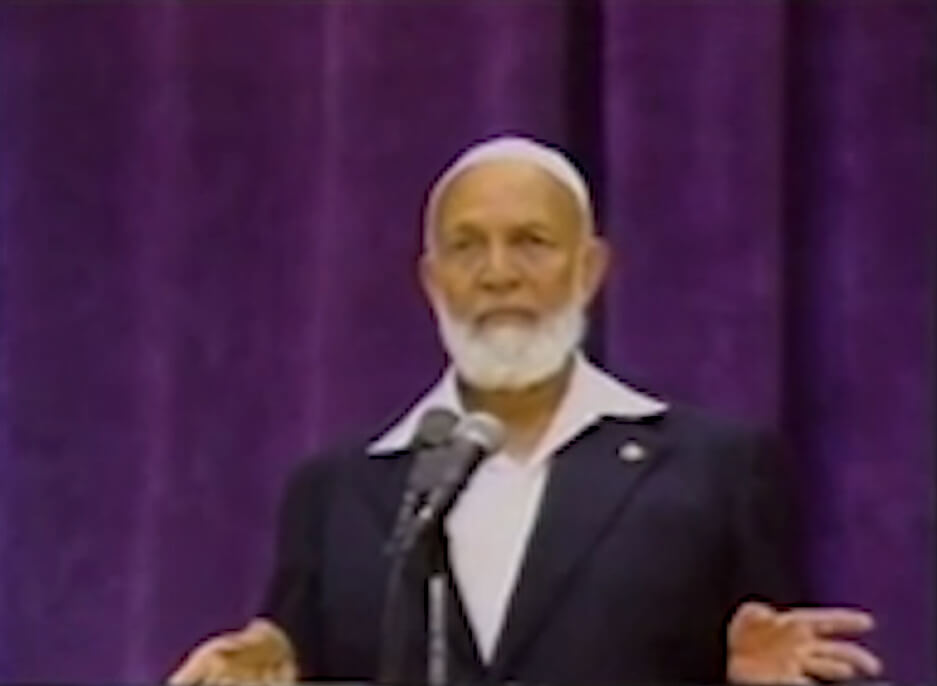 If you want to learn how to call people to Islam, learn the arguments of Ahmed Deedat. His intellectial approach impressed many.